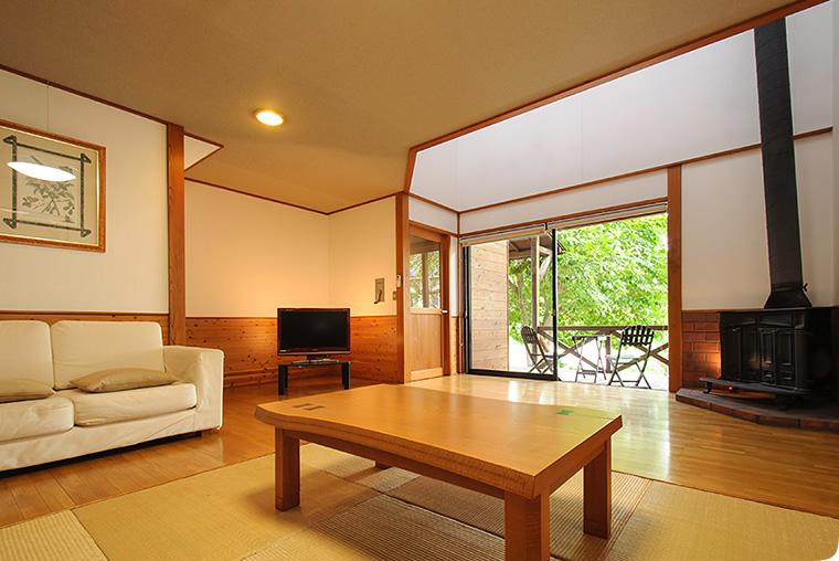 お部屋は2階建て ロッジガルニ  ご予約 0278-66-0494